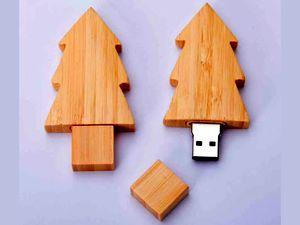 """Сувенирная USB-флешка из дерева """"Новогодняя елка"""""""
